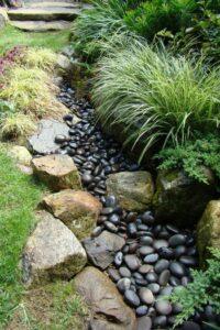 dry-creek-bed-landscape- ideas